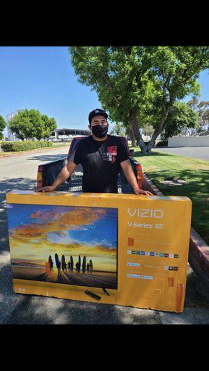 Vizio 65 inch 4K TV smart is warranty 2020 model V series for Sale in Corona, CA