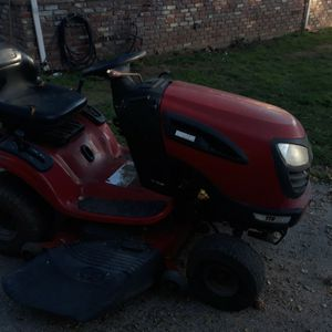 "46"" Craftsman 21 Hp Yts 3000 Riding Mower for Sale in Watsonville, CA"