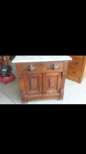 Antique- 1890's Cabinet for Sale in Dinuba, CA