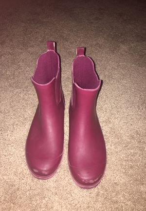 Rain boots size 4 for Sale in Clearwater, FL