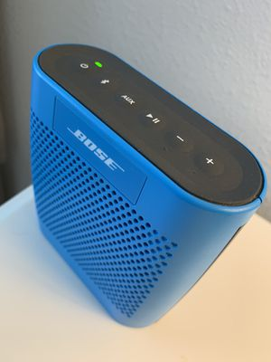 Bose soundlink color Bluetooth radio. With 4ft power cord for Sale in St. Cloud, FL