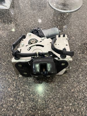 Jeep grand Cherokee back up camera and tailgate latch car parts for Sale in Hialeah, FL