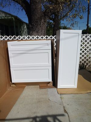 Kitchen Cabinet Set for Sale in Los Angeles, CA