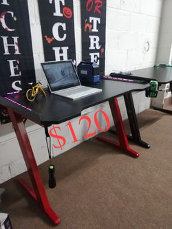 BRAND NEW Gaming Desk $120 (was $200) for Sale in Rosemead,  CA