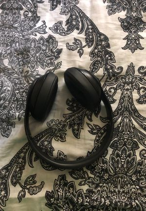 Beats Studio 3s for Sale in Wheaton, MD