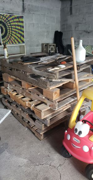 Free pallets for Sale in Seekonk, MA