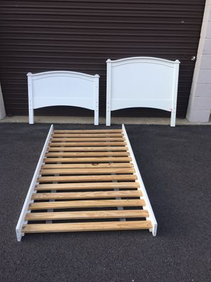 Twin bed frame for Sale in Carpentersville, IL