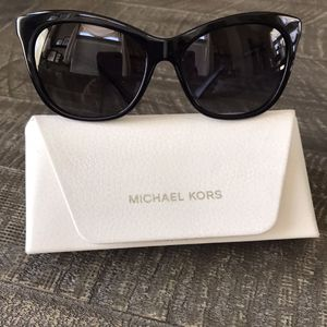 Michael Kors Cat sunglasses Excellent Condition $50 for Sale in Temecula, CA