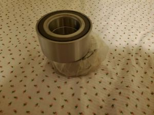 Jeep Patriot front wheel bearing pressed for Sale in Elgin, IL