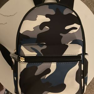 MINI CAMO BACKPACK for Sale in Tolleson, AZ