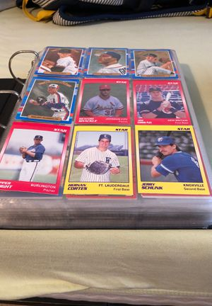Binder full of baseball cards for Sale in Bowie, MD
