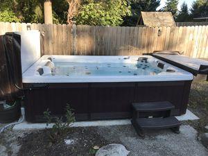 Island spa hot tub 8x12 Bimini 72 for Sale in Tacoma, WA