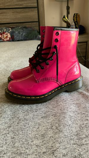 Doc Martens Hot Pink Size 7 for Sale in Anaheim, CA