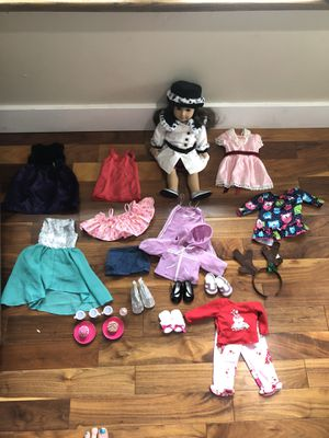 Samantha American Girl doll with outfits and bag for Sale in Seattle, WA