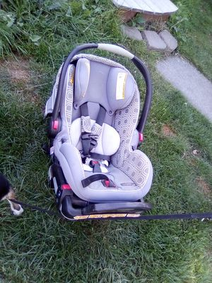 Car seat with base for Sale in Anacortes, WA