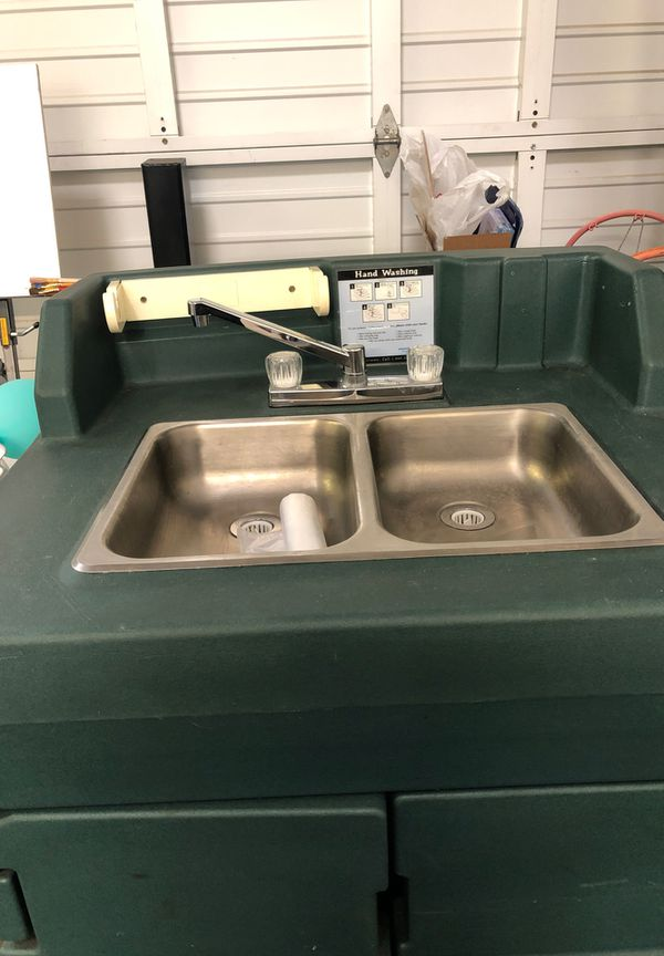 Mobile sink. Perfect for parties!