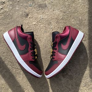 Jordan 1 Beetroot for Sale in Knightdale, NC