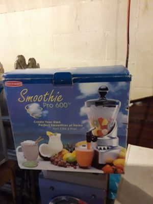 Smoothie Juicer for Sale in Ferguson, MO