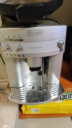 Delonghi magnifica coffee maker for Sale in Lynnwood,  WA