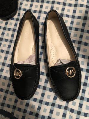 Size 7 Michael kors for Sale in Manassas, VA