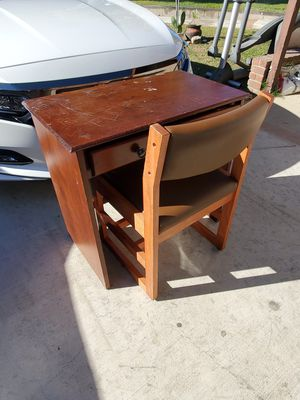 Kids Desk and chair with 1 Drawer all wood for Sale in Montclair, CA