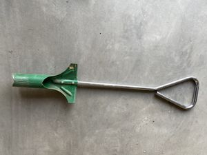 LITTLE HOLE DIGGER for Sale in Tulare, CA