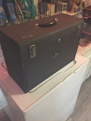 Vintage 520 Kennedy top box for Sale in Greensboro, NC
