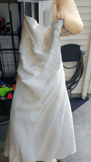 Wedding dress for Sale in Galloway, OH