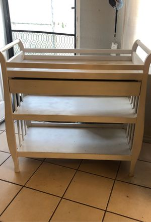 Changing table with changing pad for Sale in Perris, CA