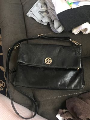Tory Burch messenger bag. Used, inside very clean for Sale in San Diego, CA