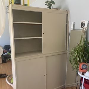 closet, shelf, or room partition for Sale in Berkeley, CA