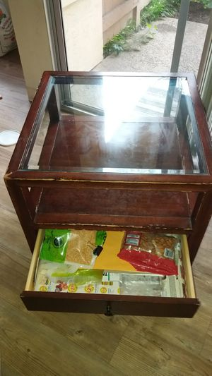 Glass Top Small Table for Sale in Union City, CA