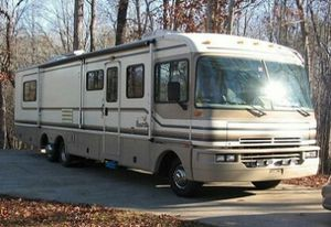 Great Condition, very clean Fleetwood Bounder class A motorhome for Sale in Los Angeles, CA