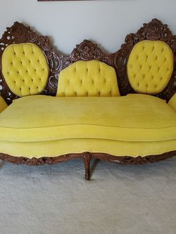 French Provencial Loveseat for Sale in Roselle,  IL