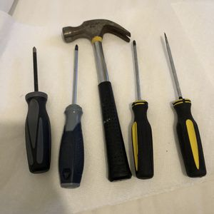 tools hammer 4 screwdrivers for Sale in New York, NY