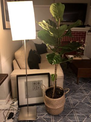 IKEA Floor Lamp - Paper rice for Sale in Los Angeles, CA