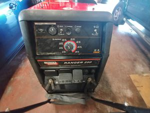 Welder Ranger 250. LINCOLN ELECTRIC for Sale in Seattle, WA