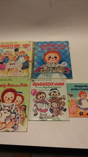 Raggedy Ann book collection of 5!! for Sale in Tempe, AZ