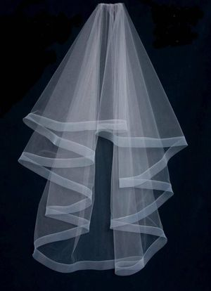 Britten Weddings 2 tier horsehair veil for Sale in Potomac, MD