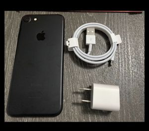 TMOBILE/METROPCS ONLY!! IPHONE 7 32gb (THIS IS NOT THE PLUS) PRICE IS FIRM! for Sale in Miramar, FL