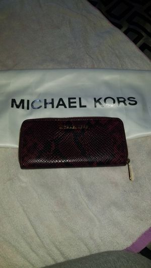 Michael Kors Wallet for Sale in Fort Washington, MD