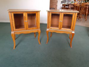 2 nightstands end tables for Sale in Kissimmee, FL