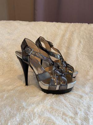 Michael Kors metallic heels size 7 for Sale in Chesterfield, NJ