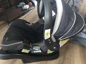 Eddie Bauer Car Seat for Sale in Memphis, TN