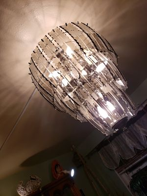 Chandelier great condition for Sale in Brooklyn, NY