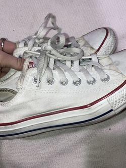 White Low Top Converse Men's Size 5 Women's Size 7 for Sale in Henderson,  NV