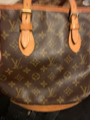 Louis Vuitton bag for Sale in Wheat Ridge, CO