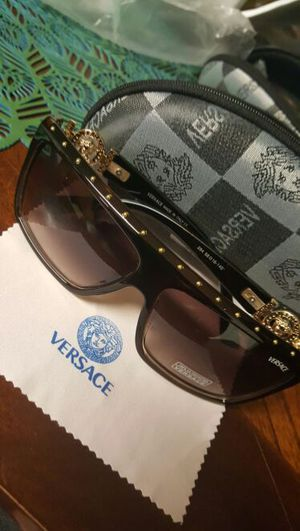Versace sunglasses Unisex for Sale in Severn, MD