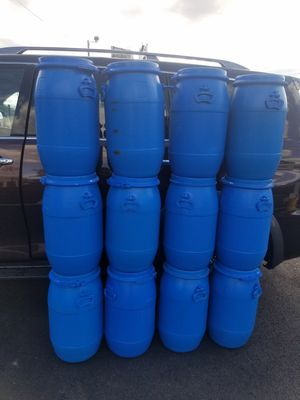 9 gallon food graded barrel with plastic lid and clamp with handles. for Sale in Levittown, PA