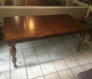 Dining table for Sale in Atlanta, GA